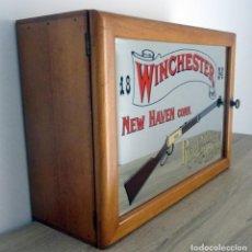 Vintage: MUEBLE CON ESPEJO Y PROPAGANDA WINCHESTER PARA MUNICIONES. Lote 225004150