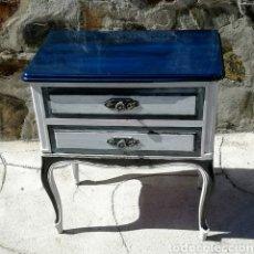 Vintage: ANTIGUA MESILLA PINTADA. Lote 233915115