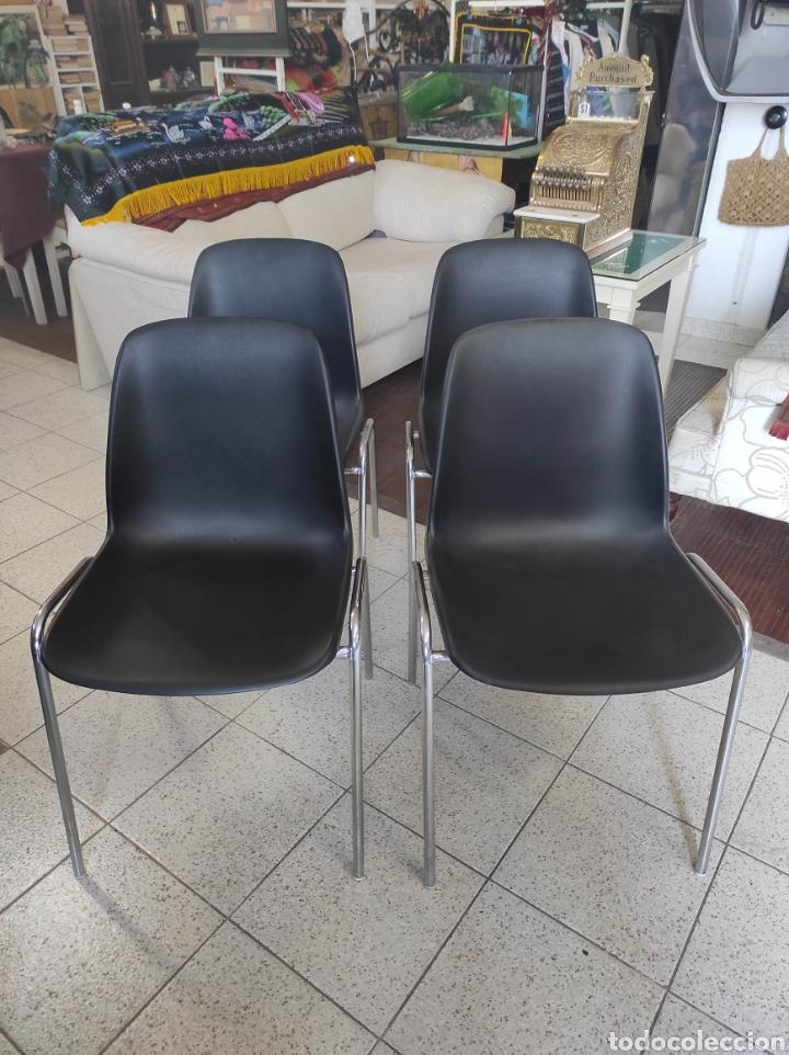 Vintage: 4 Sillas confidente plástico y estructura acero inoxidable - Foto 2 - 235223780