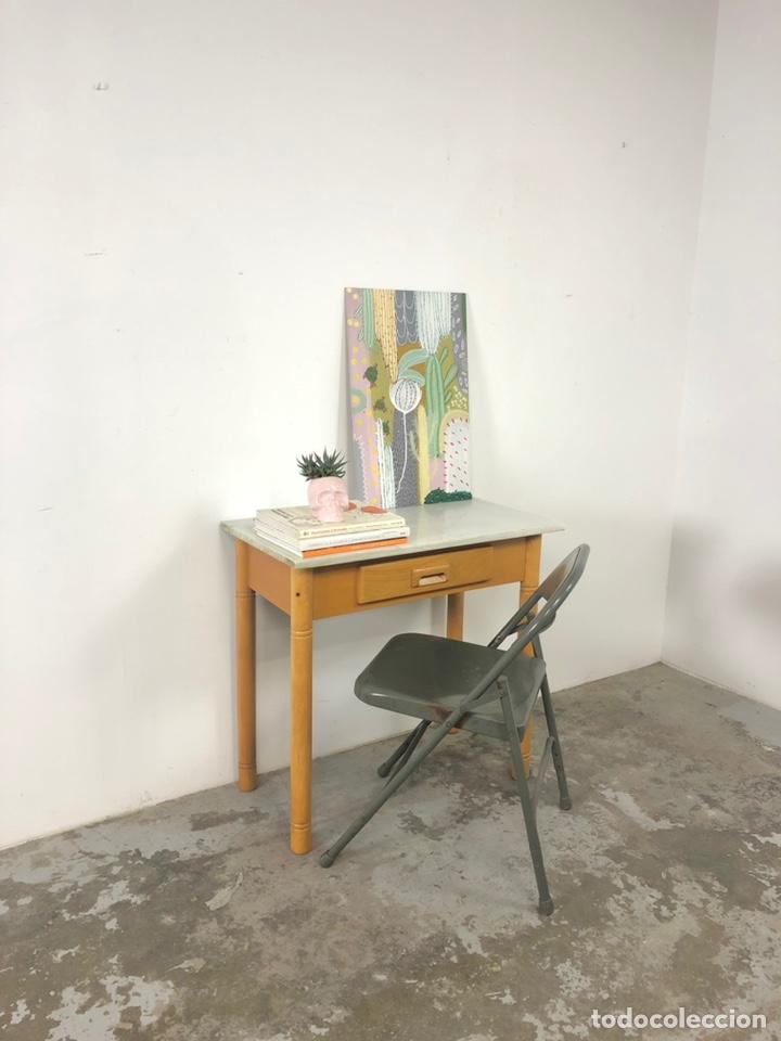 Vintage: Mesa auxiliar o escritorio vintage - Foto 2 - 243603125