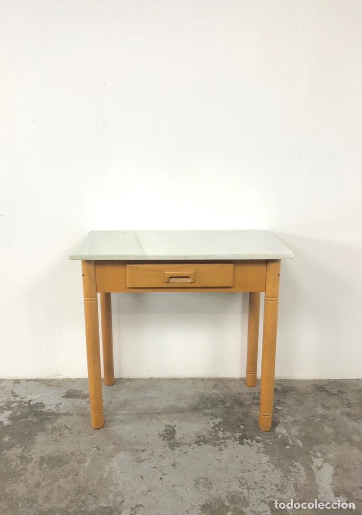 Vintage: Mesa auxiliar o escritorio vintage - Foto 4 - 243603125