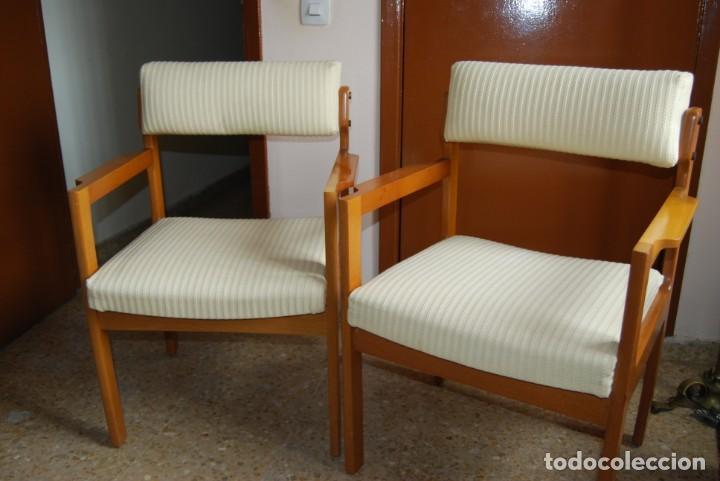 SILLAS COLOR HAYA TAPIZADO EN BEIGE (Vintage - Muebles)