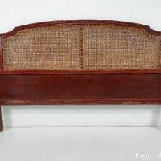 Vintage: CABEZAL DE CAMA - ESTILO LUIS XVI - MADERA DE HAYA, COLOR CAOBA Y REJILLA. Lote 259273305