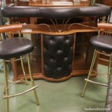 Vintage: BARRA DE BAR VINTAGE CON TABURETES. Lote 262292385