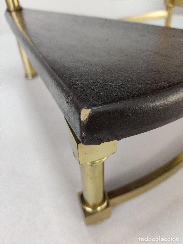 Vintage: Escalera caracol de biblioteca en latón y cuero, 1960s - Foto 10 - 261631080