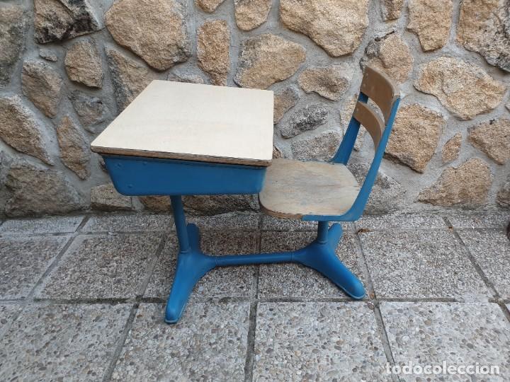 ANTIGUA SILLA CON PUPITRE CON CAJONERA. (Vintage - Muebles)