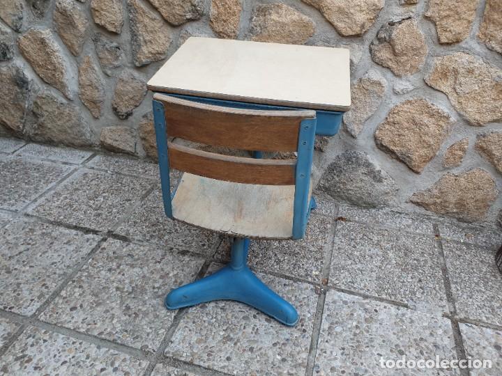 Vintage: Antigua silla con pupitre con cajonera. - Foto 3 - 278544023