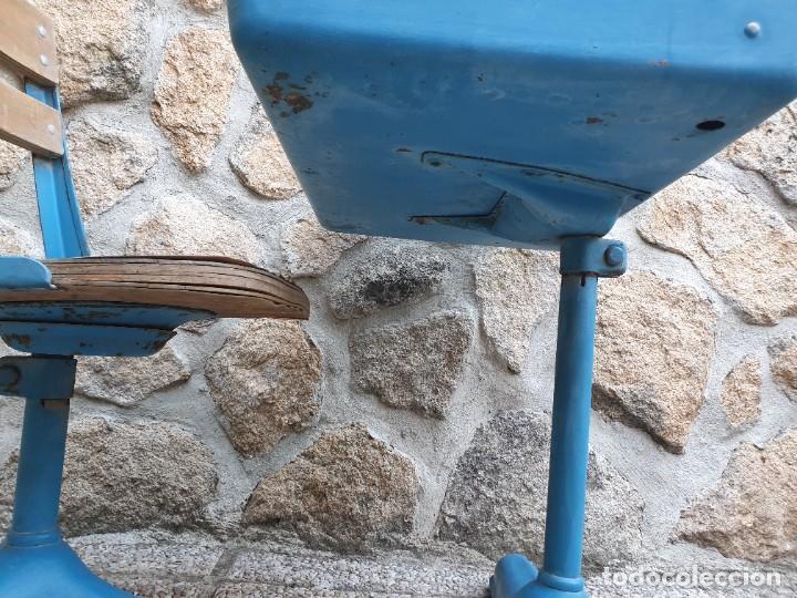 Vintage: Antigua silla con pupitre con cajonera. - Foto 13 - 278544023