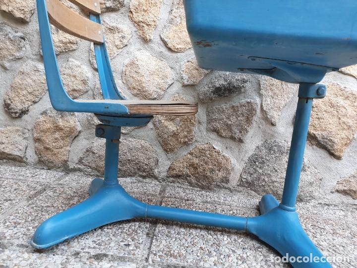 Vintage: Antigua silla con pupitre con cajonera. - Foto 14 - 278544023