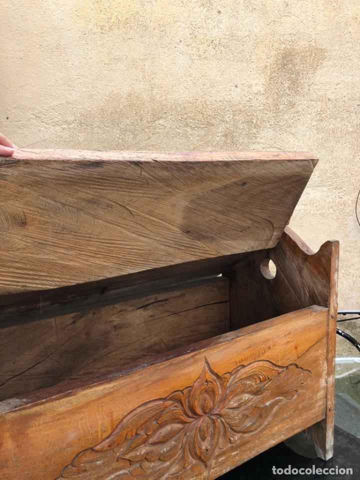 Vintage: Precioso arcón en madera tallado, con las tapas abatibles. - Foto 6 - 287582558