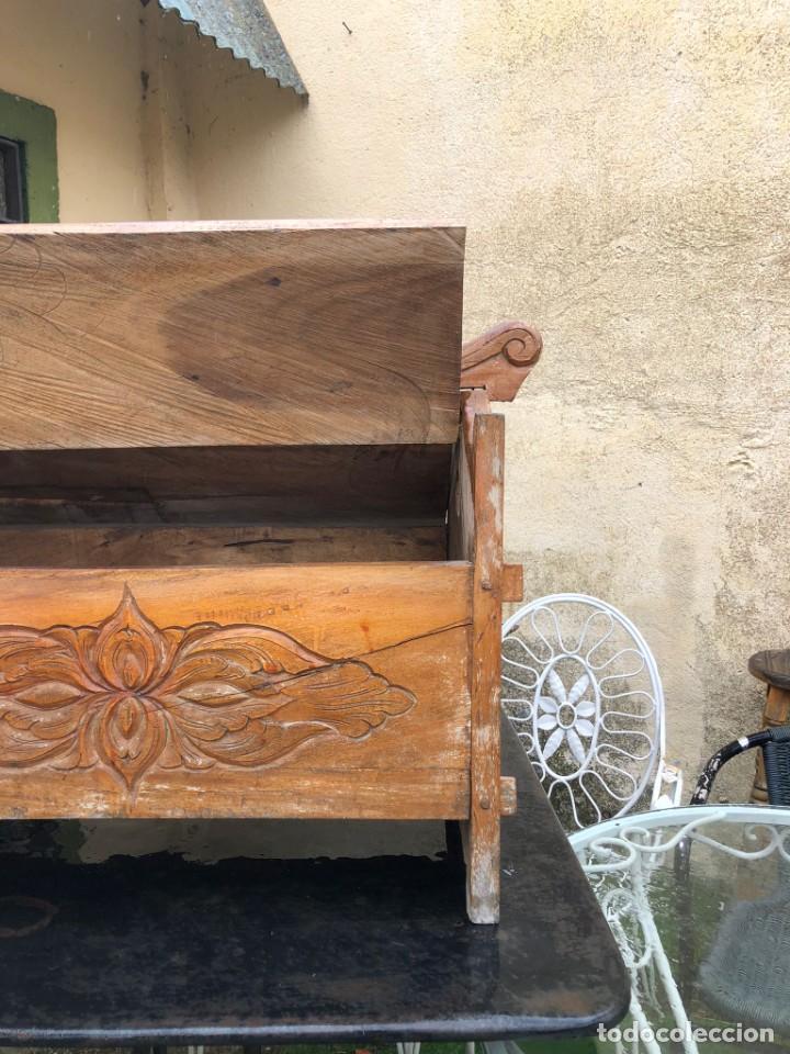 Vintage: Precioso arcón en madera tallado, con las tapas abatibles. - Foto 7 - 287582558