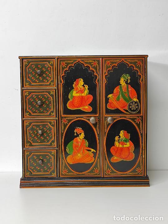 Vintage: Precioso Mueble Oriental - Madera Maciza Policromada - con Puertas y Cajones - Foto 6 - 291907053