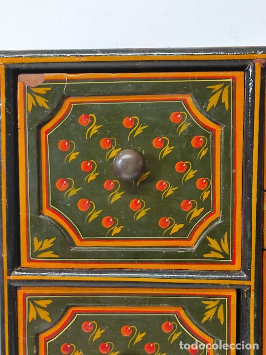 Vintage: Precioso Mueble Oriental - Madera Maciza Policromada - con Puertas y Cajones - Foto 11 - 291907053