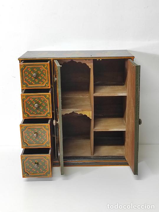 Vintage: Precioso Mueble Oriental - Madera Maciza Policromada - con Puertas y Cajones - Foto 14 - 291907053