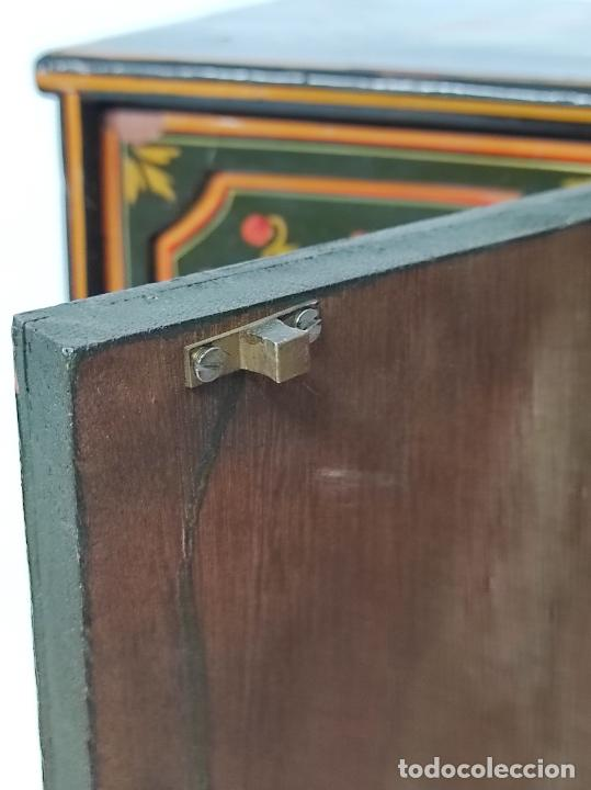 Vintage: Precioso Mueble Oriental - Madera Maciza Policromada - con Puertas y Cajones - Foto 18 - 291907053