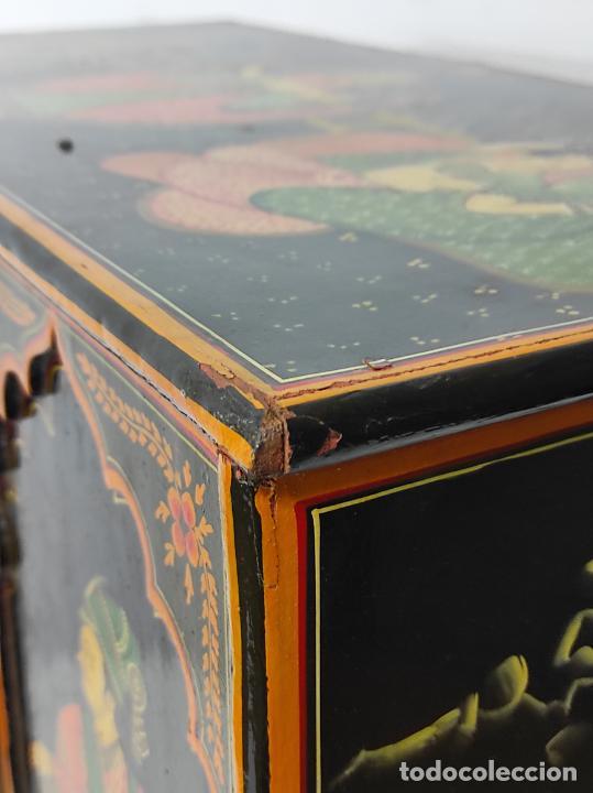 Vintage: Precioso Mueble Oriental - Madera Maciza Policromada - con Puertas y Cajones - Foto 21 - 291907053