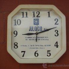 Vintage: RELOJ DE COCINA. A PILA. CON PUBLICIDAD JULIO CID. VALMOJADO. TOLEDO. AÑOS 70. Lote 27447345