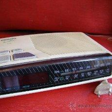 Vintage: RADIO- RELOJ- DESPERTADOR. PHILIPS. AÑOS 70. PERFECTO FUNCIONAMIENTO. Lote 34021574