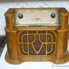 Vintage: REPLICA DE RADIO DE VALVULAS ANTIGUA CON FM Y AM MAS ORIFICIO PARA CASETES * NUEVA Y SIN USO *. Lote 135559825