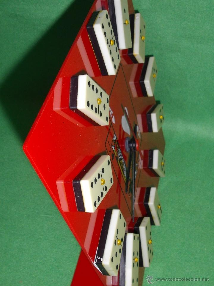 Vintage: Divertido reloj marca AB metacrilato ficha domino vintage años 70 cartas poker baraja juego de mesa - Foto 3 - 51513877
