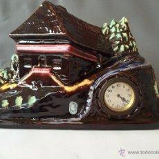 Vintage: RELOJ CHIMENEA CERAMICA ALEMANA DE LOS AÑOS 50 S&G KERAMIK PAISAJE SELVA NEGRA. Lote 54660839