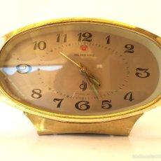 Vintage: RELOJ DESPERTADOR VINTAGE GOLDEN TONE AÑOS 60 70 CARGA MANUAL. Lote 58436778