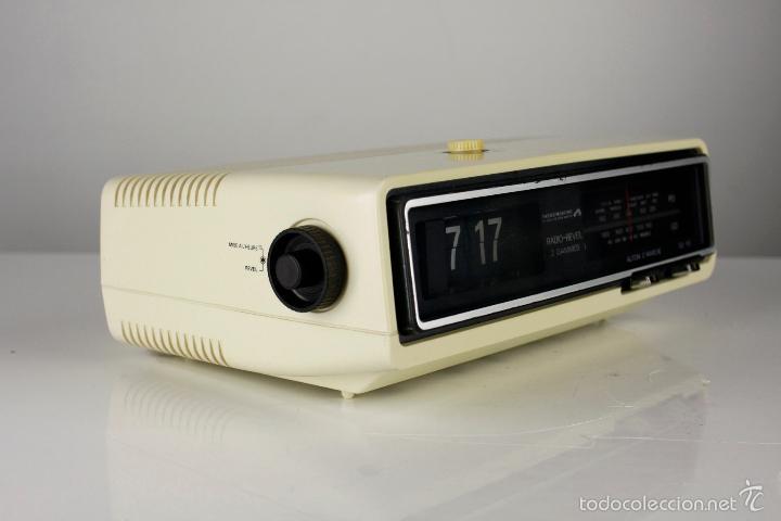 Vintage: radio AM despertador flip clock retro space age vintage años 70 - Foto 2 - 150881057