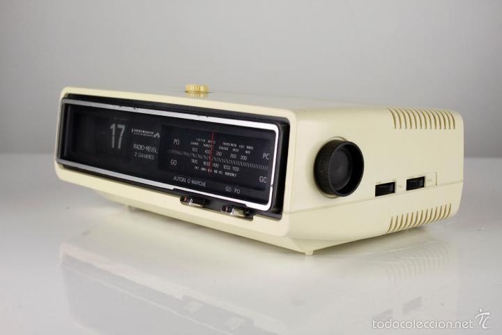 Vintage: radio AM despertador flip clock retro space age vintage años 70 - Foto 3 - 150881057