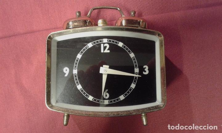 Vintage: Reloj despertador. Funciona. Vintage. Años 60, 70. - Foto 6 - 69618793