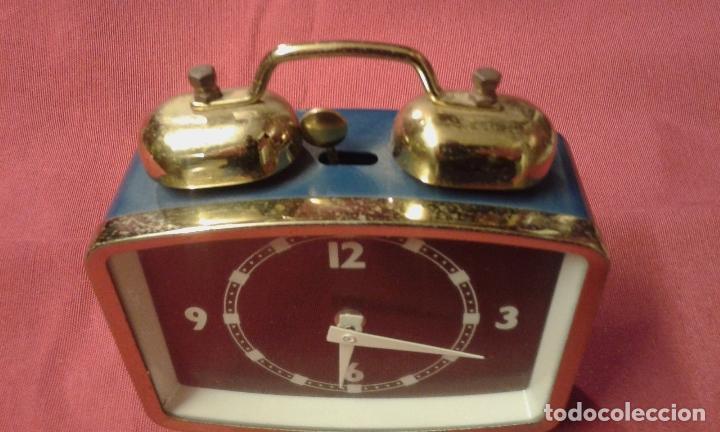 Vintage: Reloj despertador. Funciona. Vintage. Años 60, 70. - Foto 9 - 69618793