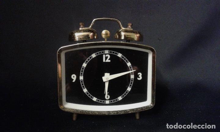 Vintage: Reloj despertador. Funciona. Vintage. Años 60, 70. - Foto 11 - 69618793