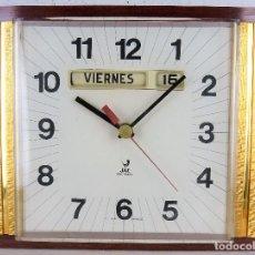 Vintage: RELOJ DE PARED JAZ CON CALENDARIO - FRANCIA - AÑOS 60-70 (FUNCIONANDO). Lote 95537579