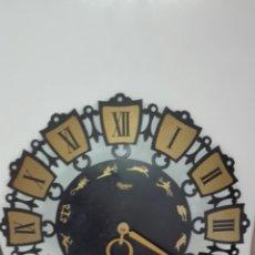 Vintage: RELOJ DE PARED BLESSING CON MOTIVOS DE HOROSCOPOS AÑOS SETENTA. Lote 98484007