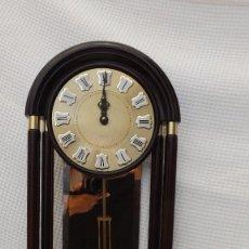 Vintage: RELOJ DE PARED CON PÉNDULO JUNGHANS. Lote 103624559