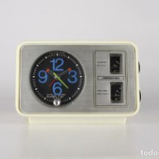 Vintage: RADIO DESPERTADOR SOUNDESIGN 32068 RELOJ VINTAGE SPACE AGE RETRO HONG KONG 70'S. Lote 118134703