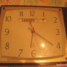 Vintage: RELOJ DE PARED JAZ CON CALENDARIO - FRANCIA - AÑOS 60-70. Lote 118797783