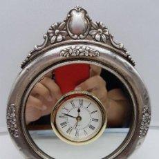 Vintage: ANTIGUO RELOJ DE ESTILO IMPERIAL EN PLATA DE LEY CONTRASTADA DE SOBREMESA.. Lote 119461607