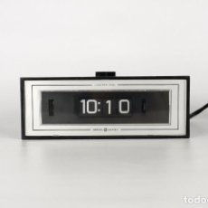 Vintage: RELOJ SOBREMESA GENERAL ELECTRIC FLIP CLOCK NEGRO SPACE AGE RETRO USA AÑOS 60. Lote 150881084