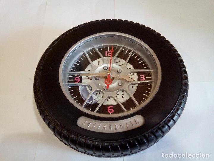 RELOJ CON FORMA DE NEUMÁTICO (Relojes - Relojes Vintage )
