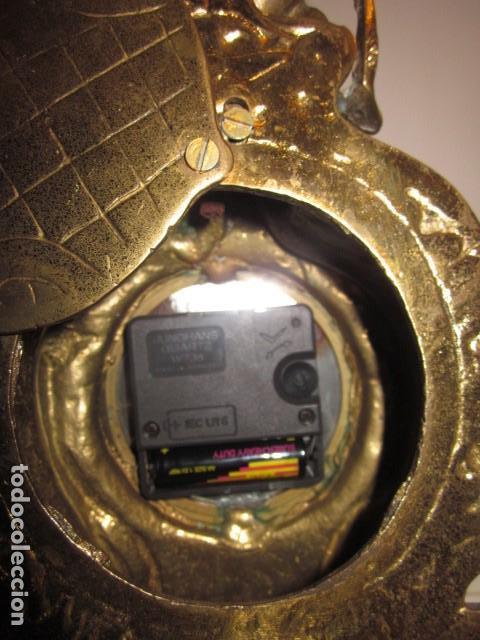 Vintage: reloj de bronce con angel, en muy buen estado funciona perfectamente, - Foto 4 - 124491187