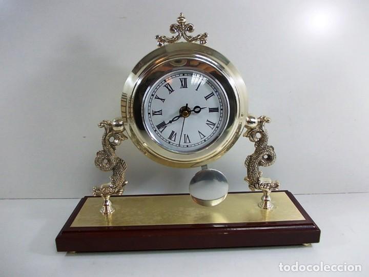 PRECIOSO RELOJ BAÑO PLATA DE SOBREMESA FUNCIONANDO (Relojes - Relojes Vintage )