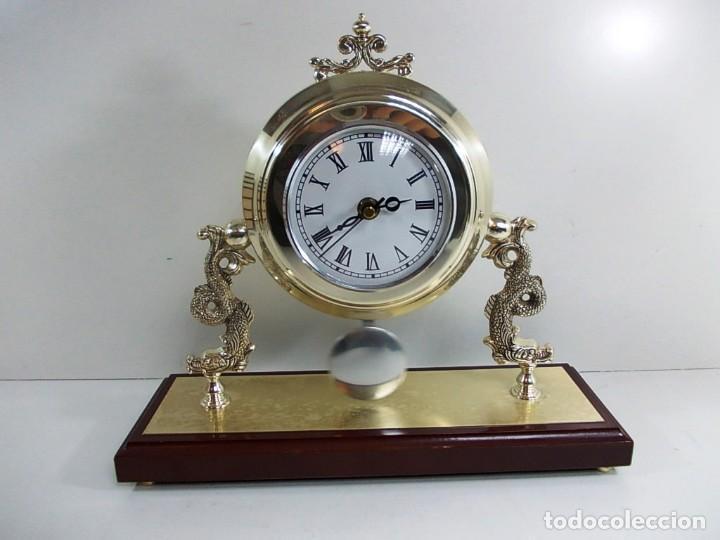 Vintage: Precioso reloj baño plata de sobremesa funcionando - Foto 2 - 150816706