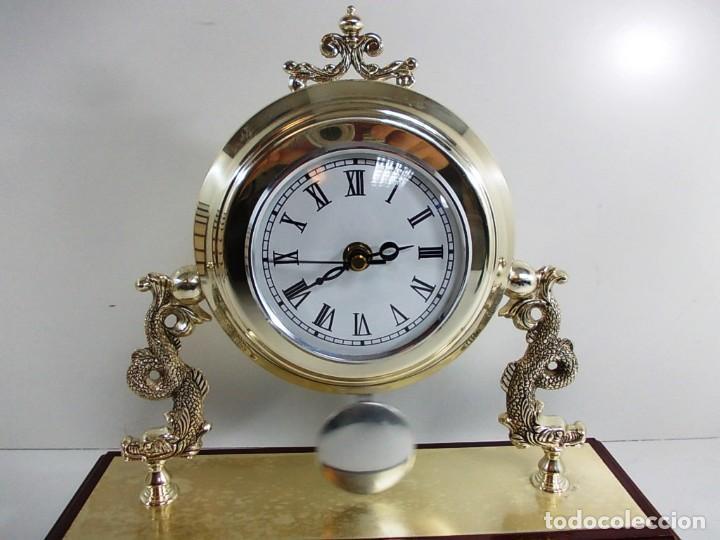 Vintage: Precioso reloj baño plata de sobremesa funcionando - Foto 3 - 150816706