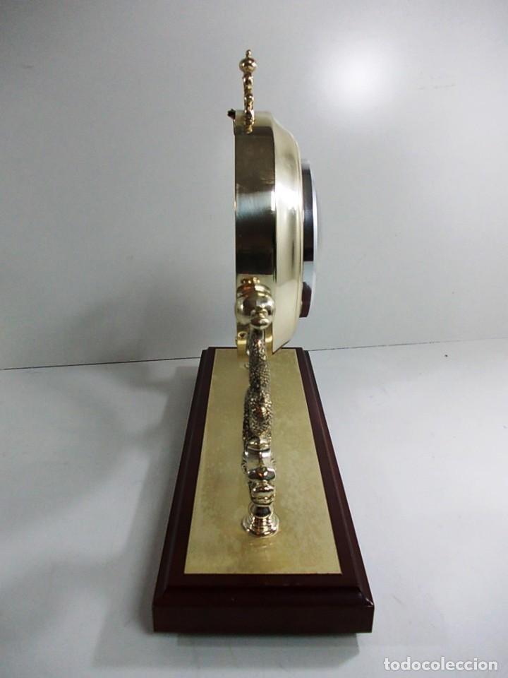 Vintage: Precioso reloj baño plata de sobremesa funcionando - Foto 6 - 150816706