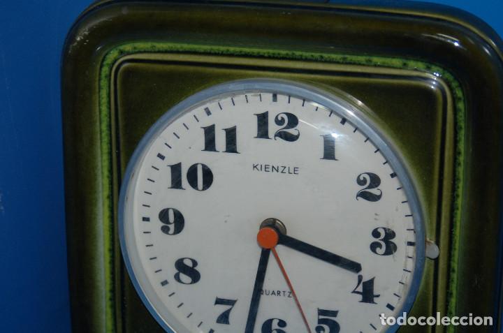 Vintage: reloj de pared vintage KIENZLE quartz ceramica FUNCIONA 22x22 cm. - Foto 2 - 155289078