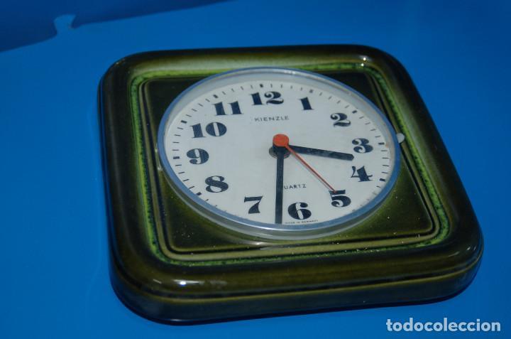 Vintage: reloj de pared vintage KIENZLE quartz ceramica FUNCIONA 22x22 cm. - Foto 3 - 155289078
