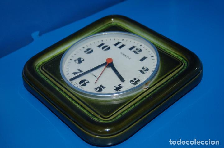 Vintage: reloj de pared vintage KIENZLE quartz ceramica FUNCIONA 22x22 cm. - Foto 5 - 155289078