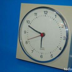 Vintage: RELOJ DE PARED KRUPS ELECTRONIC · 18,5X18,5 CM · VINTAGE NO FUNCIONA. Lote 157986570