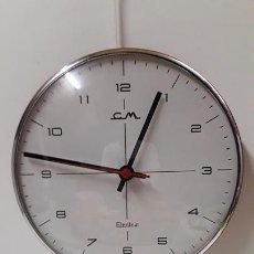 Vintage: RELOJ DE COCINA CM - ELECTRIC . COLOR CROMO INOX - ROJO . DIAMETRO 20,50 . AÑOS 70. Lote 166008130