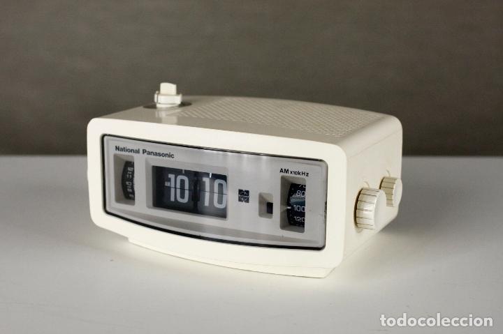 Vintage: Radio Reloj despertador National Panasonic Flip Clock blanco retro space age Japan años 70 - Foto 2 - 169288508